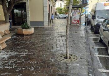 lavaggio e spazzamento meccanizzato di via Bausan e Piazza A. Garibaldi.